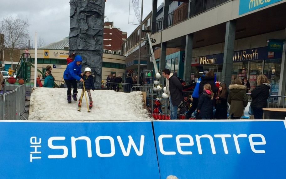 The Snow Centre brings 15 tonnes of fresh snow to Hemel's Christmas Lights' turn-on!