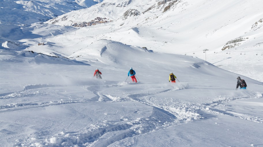 5 Top Tips for Organising a Group Ski Holiday