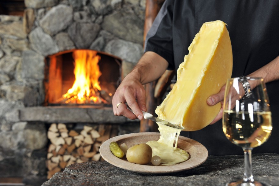 Top 5 Foods To Try When Skiing In Switzerland - A Taste Of The Alps